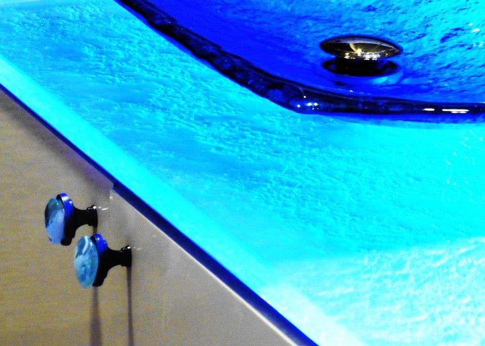 salle bain aquatique03 vasque et dessus de comptoir en verre poignes exclusives cration unique signe vivian dubreuil - Dessus De Comptoir Salle De Bain